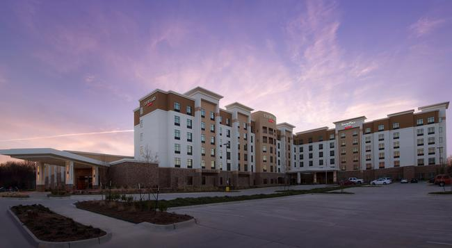 Courtyard By Marriott Dallas Dfw Airport North-grapevine - Grapevine - Building