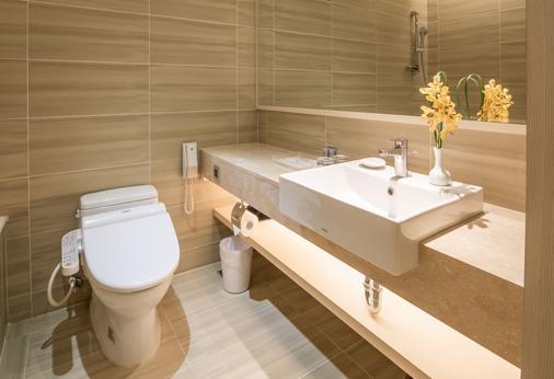 Hotel Riverview Taipei - Taipei - Bathroom
