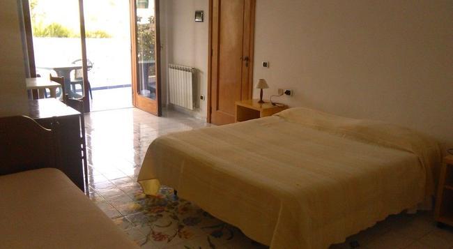 Villa Thomas B&B - Forio - Bedroom
