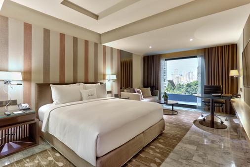 DoubleTree by Hilton Sukhumvit Bangkok - Bangkok - Bedroom