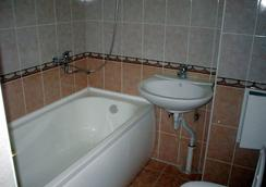 Business Hotel na Bumazhnoy - Saint Petersburg - Bathroom