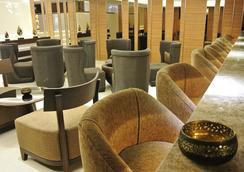 Grand Swiss Sukhumvit 11 by Compass Hospitality - Bangkok - Lobby