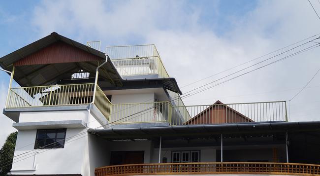 Grace Inn Munnar - Munnar - Building
