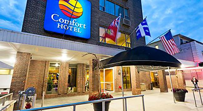 Comfort Hotel Downtown - Toronto - Building