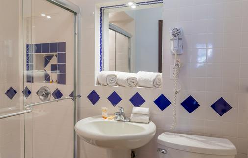 Broadway Hotel and Hostel - New York - Bathroom