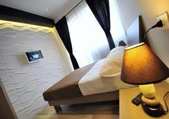 B&B Living - Rome - Bedroom