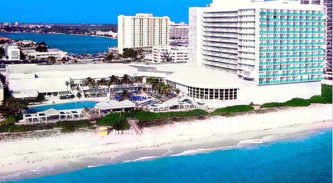 Deauville Beach Resort - Miami Beach - Building