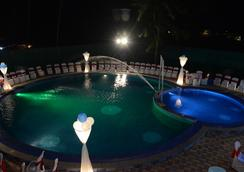 Gulmohar Resort Goa - Calangute - Pool