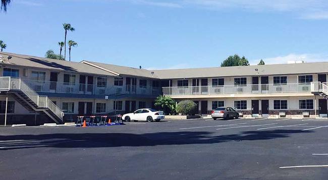 San Jose Airport Inn - San Jose - Building