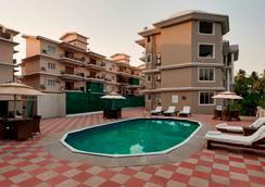 The Golden Suites & Spa - Calangute - Pool