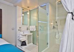 Hotel Le Bleu - Brooklyn - Bathroom