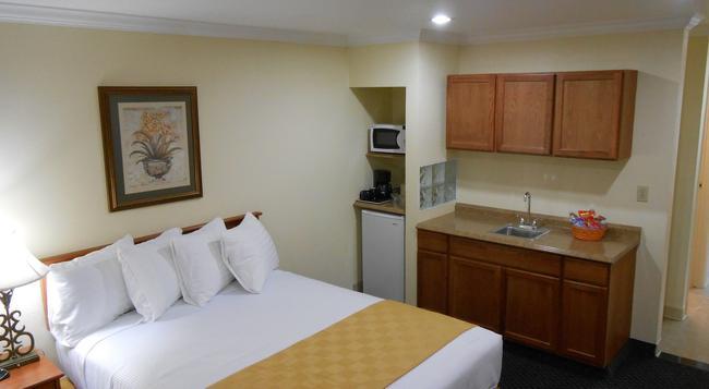 Best Host Inn Disneyland Knotts Berry Farm - Anaheim - Bedroom