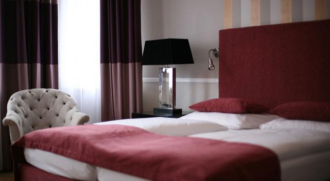 Hotel Garni Elba - Berlin - Bedroom