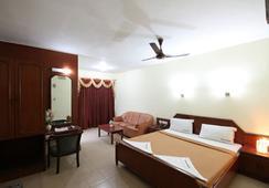 Hotel Melody - Chennai - Bedroom