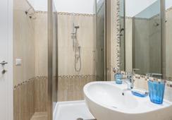 Ad Maiora B&B - Rome - Bathroom