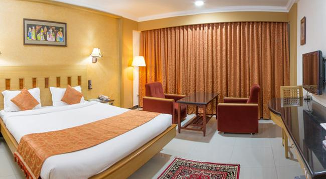 Ramyas Hotels - Tiruchirappalli - Bedroom