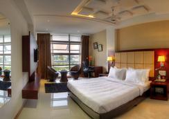 Rajmahal Inn - Mysore - Bedroom