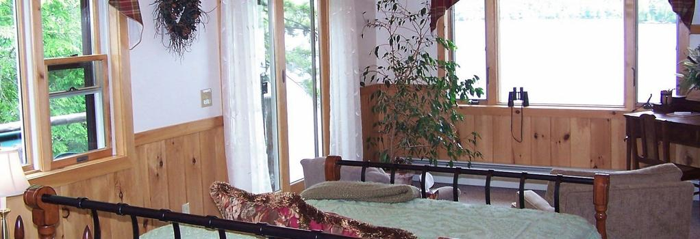 Kiwassa Lake Bed & Breakfast and Cabins - Saranac Lake - Bedroom