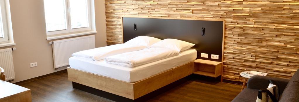 Hotel Five - Nuremberg - Bedroom