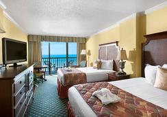 Sea Crest Oceanfront Resort - Myrtle Beach - Bedroom