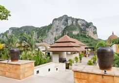 Aonang Cliff Beach Resort - Krabi - Lobby