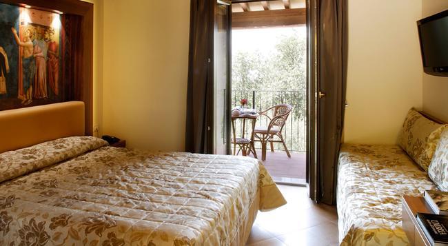 Hotel Ristorante La Terrazza - Assisi - Bedroom