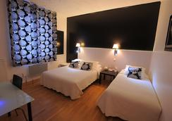 Hotel Italia - Tours - Bedroom