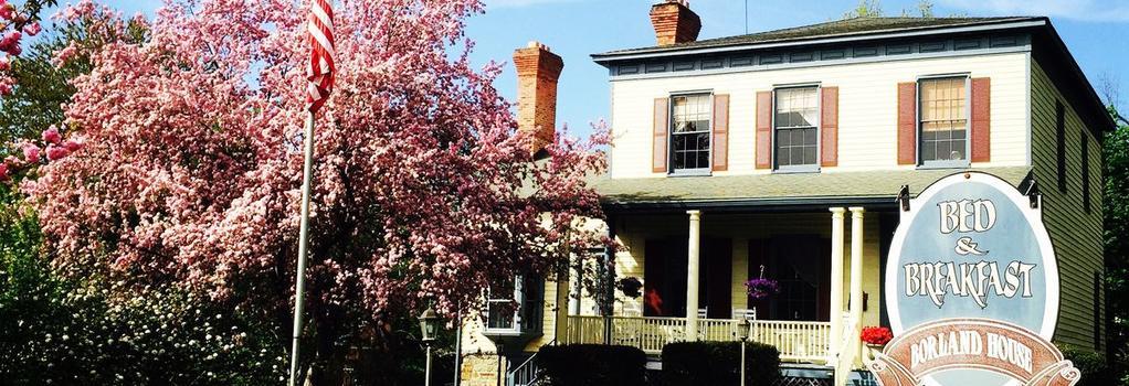 Borland House Inn - Montgomery - Building
