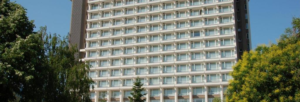 Ramada Bucharest Parc - Bucharest - Building