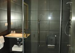 Pensión C7 - San Sebastian - Bathroom