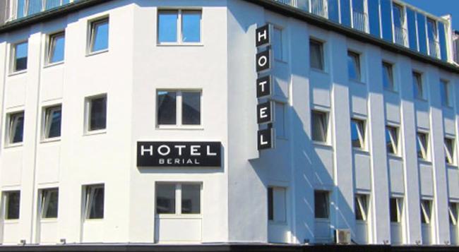Hotel Berial - Dusseldorf - Building