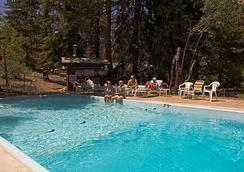 Nicky's Resort - Estes Park - Pool