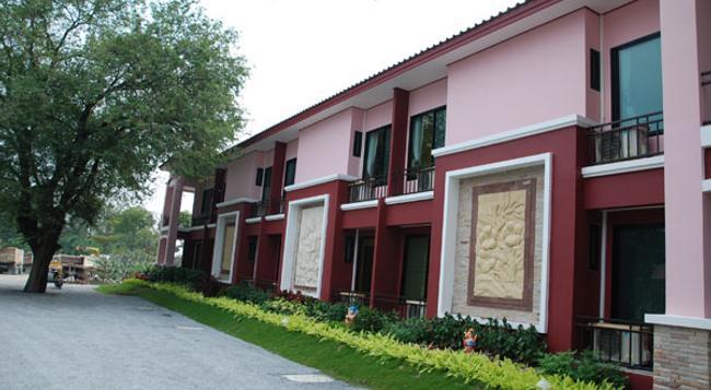San Paisan Resort - Pak Chong - Building