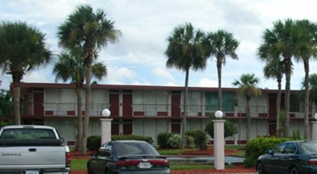 Intown Suites Orlando North - Orlando - Building