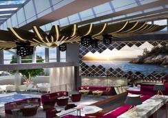 Trump International Hotel & Tower Vancouver - Vancouver - Lobby