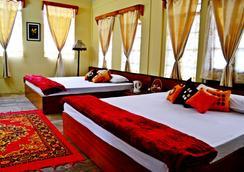 Dew Drop In - Shillong - Bedroom