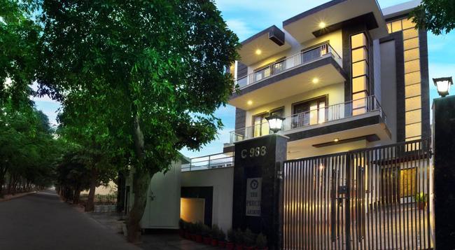 Perch Arbor Suites - Gurgaon - Building