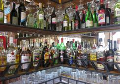 Badladz Beach Resort - Puerto Galera - Bar