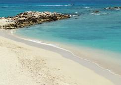 Simpson Bay Beach Resort And Marina - Simpson Bay - Beach