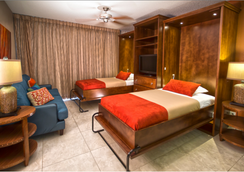 Simpson Bay Beach Resort And Marina - Simpson Bay - Bedroom