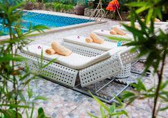 Galina Hotel & Spa - Nha Trang - Pool