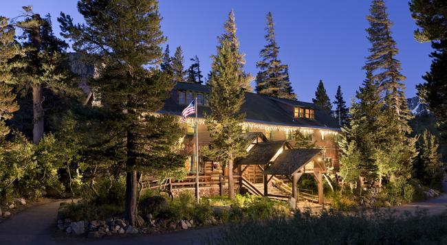 Tamarack Lodge - Mammoth Lakes - Building
