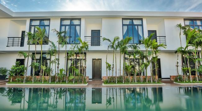 La Rose Blanche Boutique - Siem Reap - Building
