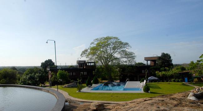 Bandagiri Village Eco Resort - Hambantota - Building