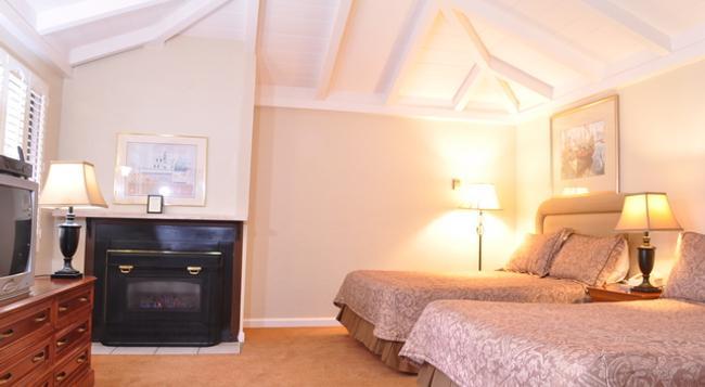 Carmel Resort Inn - Carmel-by-the-Sea - Bedroom