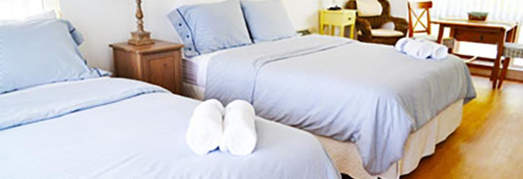 Florida Beach Hotels - Lauderdale-by-the-Sea - Bedroom