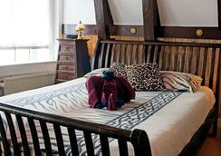 Bed & Breakfast Barangay - Amsterdam - Bedroom