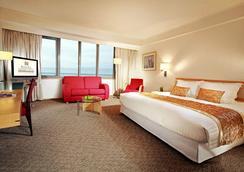 Regal Airport Hotel - Hong Kong - Bedroom