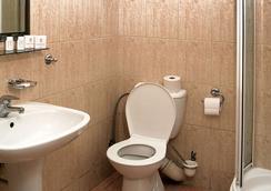 Hotel Fortuna Bis - Krakow - Bathroom
