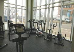 Oakes Hotel Overlooking the Falls - Niagara Falls - Gym
